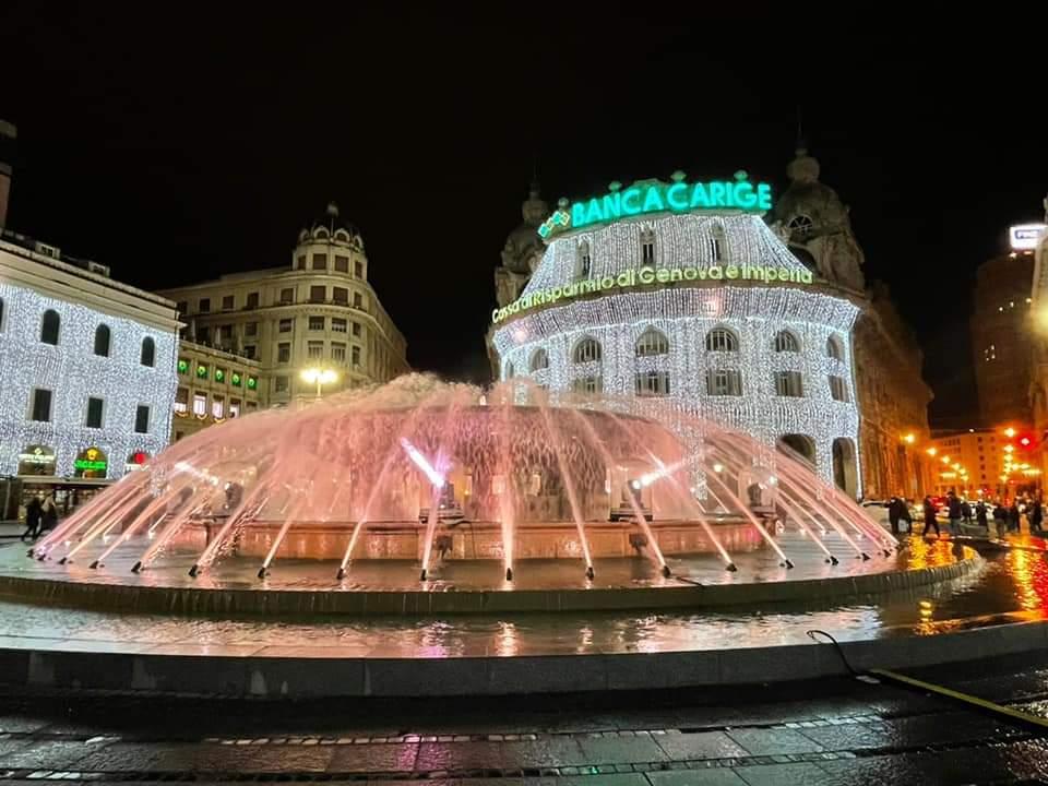 Genova Natale luminarie Piazza De Ferrari