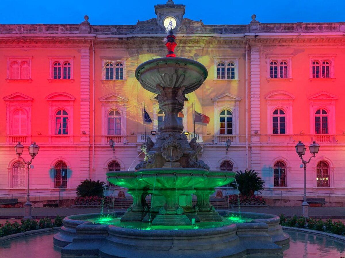 Luminarie natalizie Alassio 2020 - Fontana tricolore