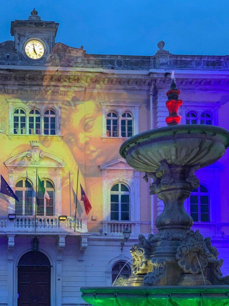 Luminarie natalizie Alassio 2020 - Palazzo e fontana