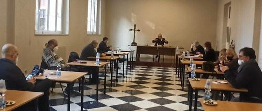 incontro vescovo Borghetti e giornalisti (Foto Daros)