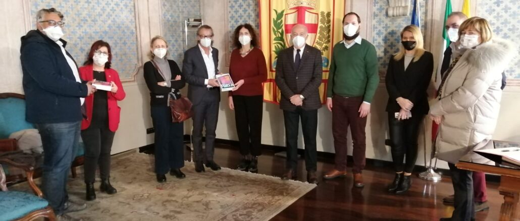 consegna tablet Rotary Albenga