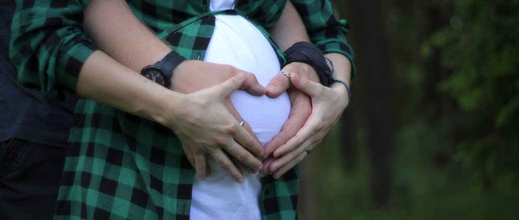 incinta coppia