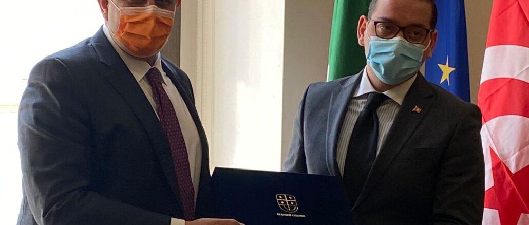 Console Tunisia Omar Amine Abdallah e presidente Giovanni Toti in Regione Liguria