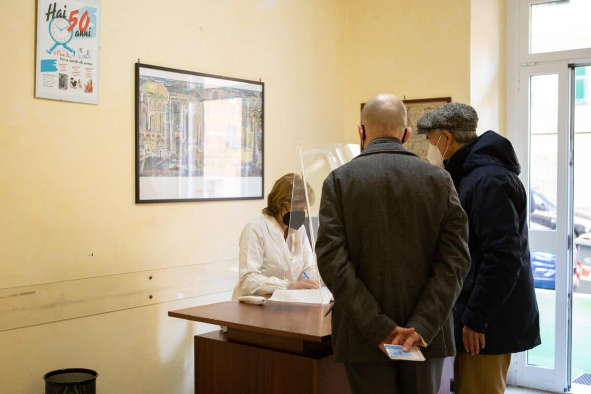 Inizzio vaccinazioni in farmacia a Genova e in Liguria