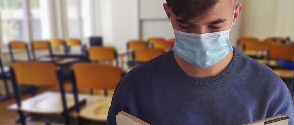 scuola studente in classe