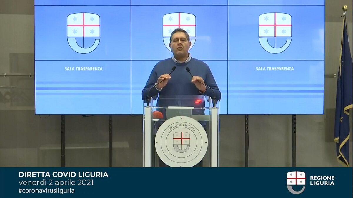 Giovanni Toti in Regione Liguria nella Sala Trasparenza 2 aprile 2021
