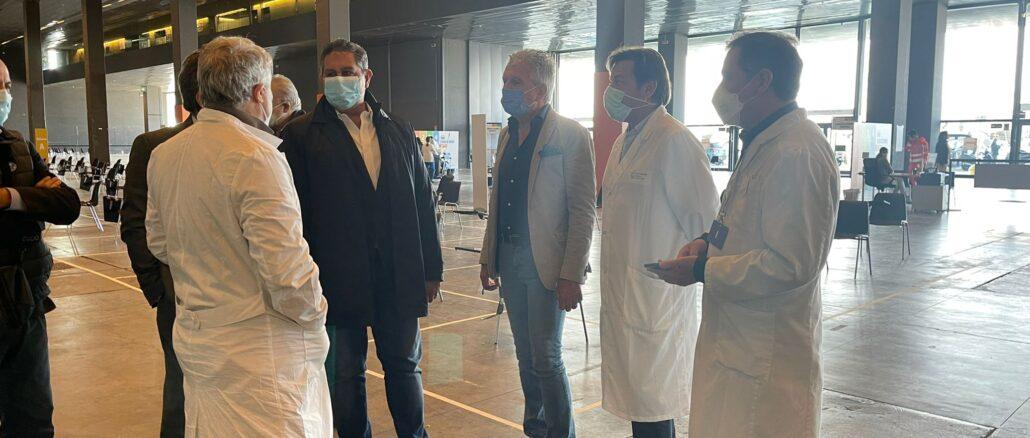 Presidente Regione Liguria Giovanni Toti visita hub vaccini alla Fira di Genova 2021-04-05