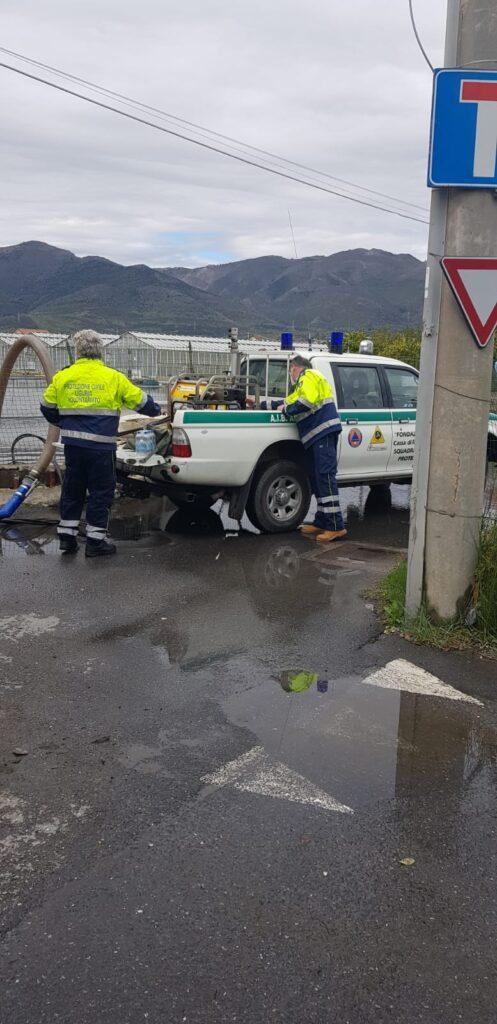 protezione civile albenga intervento di disostruzione di un canale sotterraneo