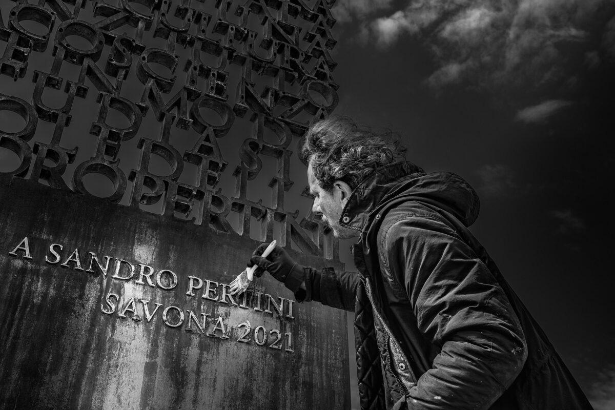 Lucchesi Monumento a Sandro Pertini - Savona