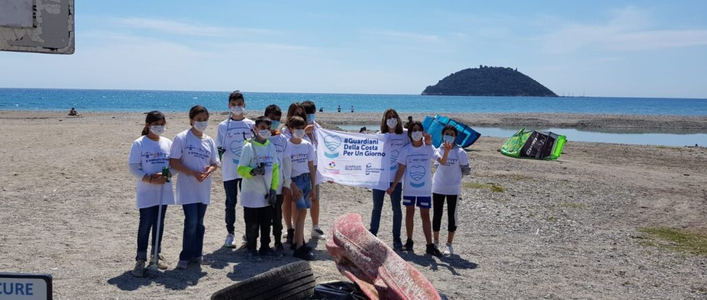 Rotary pulizia spiaggia Albenga