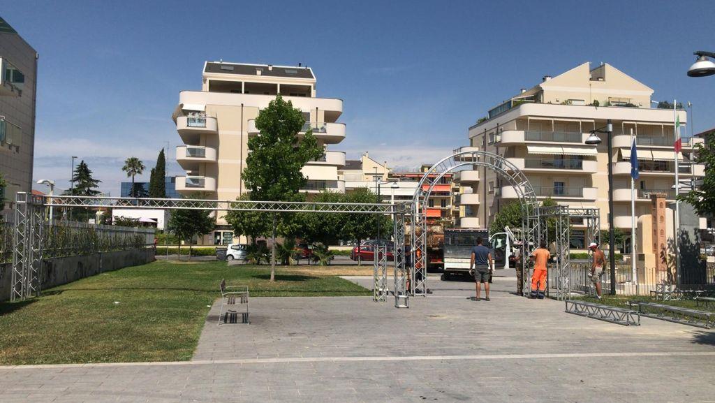 Albenga palco piazza enzo tortora 2