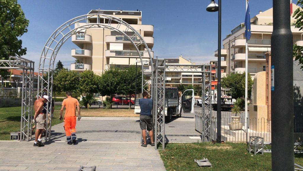 Albenga palco piazza enzo tortora 3