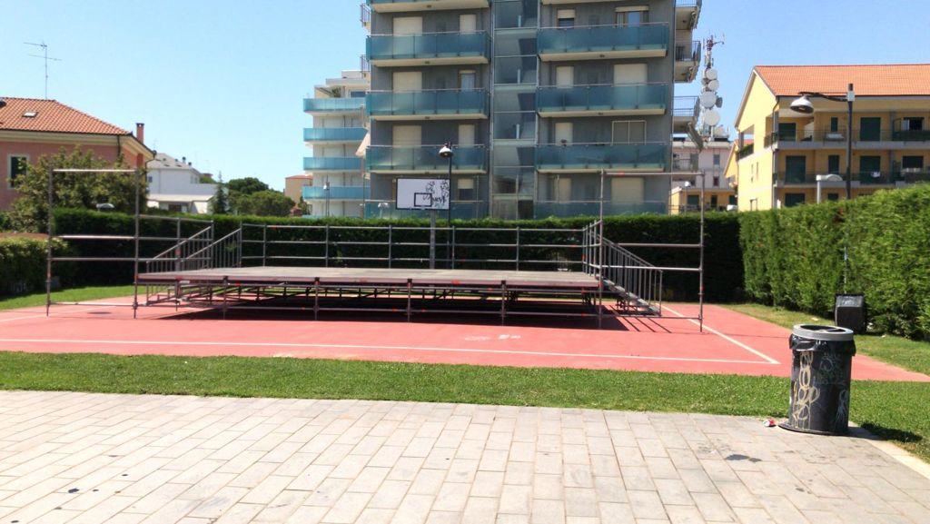 Albenga palco piazza enzo tortora
