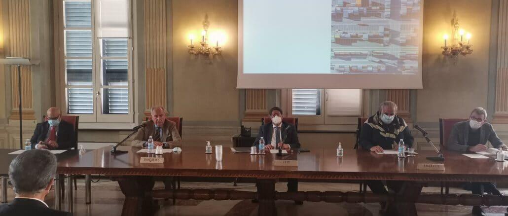 CCIAA SAVONA Foto relatori presentazione studio viabilità