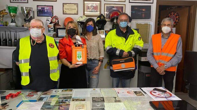 Consegna defibrillatore Protezione civile Alassio