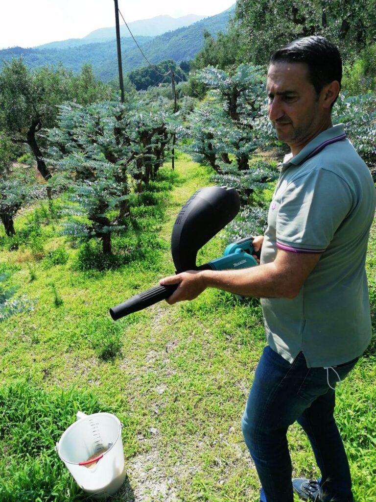Soffiatore lancio insetti predatori 2