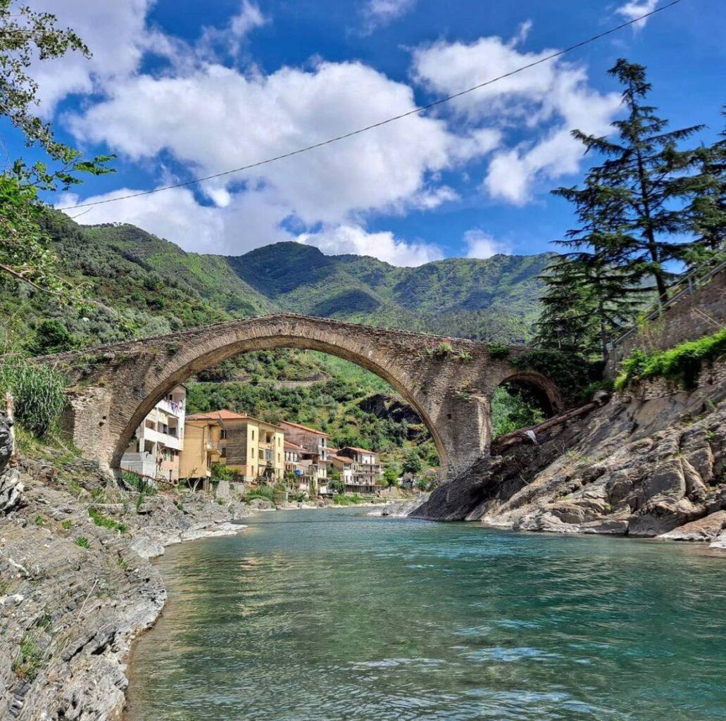 0714 foto Badalucco