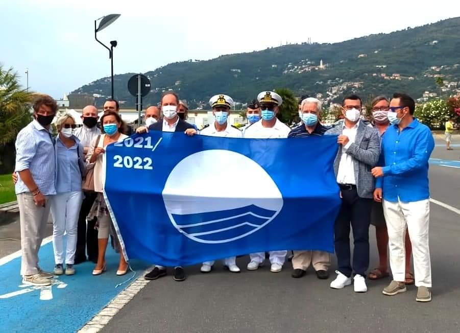 Bandiera blu al porto di Andora 01