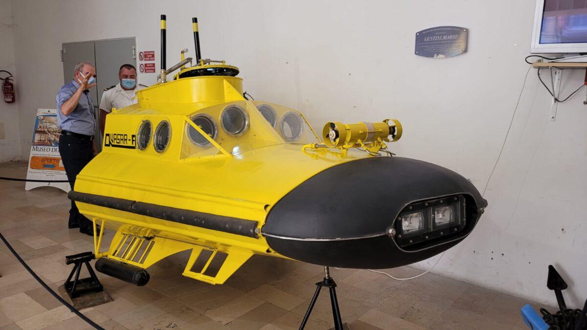 Loano sottomarino Quasar A 10