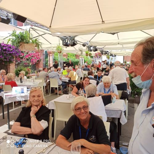Un momento del pranzo sociale Foto Daros