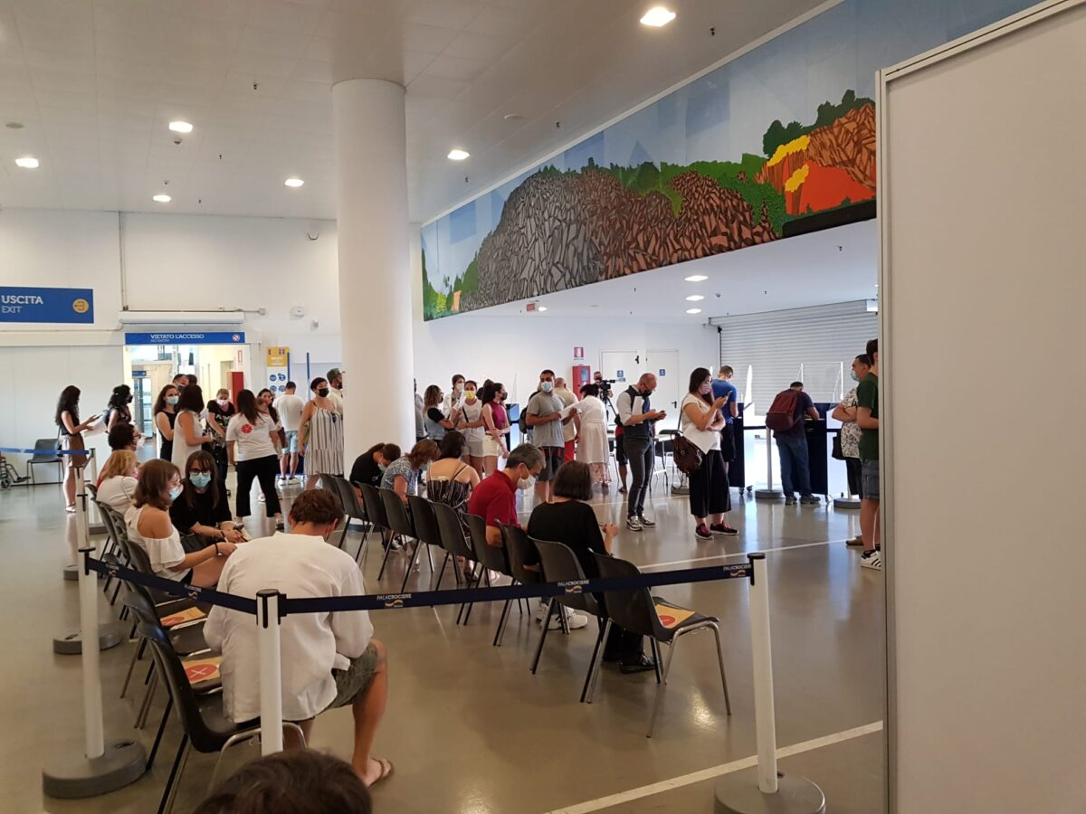 Vaccinazioni Open night al Palacrociere di Savona 01