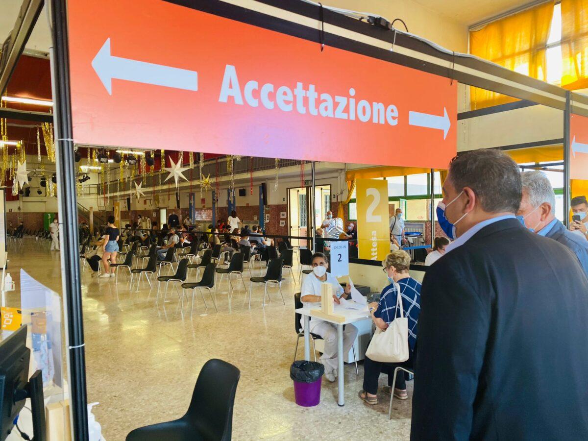 nuovo hub vaccini Genova 02